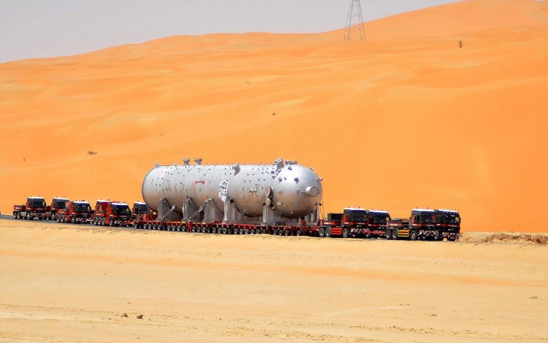 Heavy haulage in the scorching desert sun