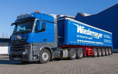 Coiltransport-Fahrzeug von Wiedemeyer Logistik